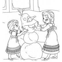 Coloriage Anna et Elsa font un bonhomme de neige